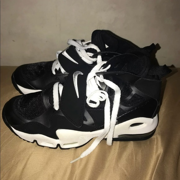 98b6ebd65cdd6 Nike Shoes | Black Air Max 2 | Poshmark